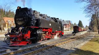 """Erfolgreicher Jubiläumsstart """"60 Jahre Brockenlok"""" bei den Harzer Schmalspurbahnen  Am vergangenen Wochenende nutzen hunderte Fans die Angebote"""